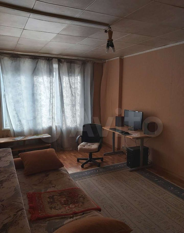 Аренда трёхкомнатной квартиры Дзержинский, улица Строителей 1, цена 25000 рублей, 2021 год объявление №1481661 на megabaz.ru