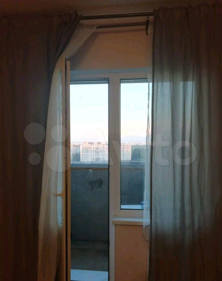Аренда студии деревня Голубое, Трёхсвятская улица 18, цена 18000 рублей, 2021 год объявление №1484629 на megabaz.ru