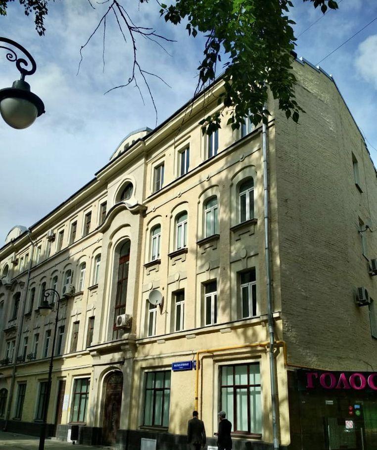 Продажа трёхкомнатной квартиры Москва, метро Тверская, Малая Бронная улица 10с1, цена 12800000 рублей, 2021 год объявление №390598 на megabaz.ru