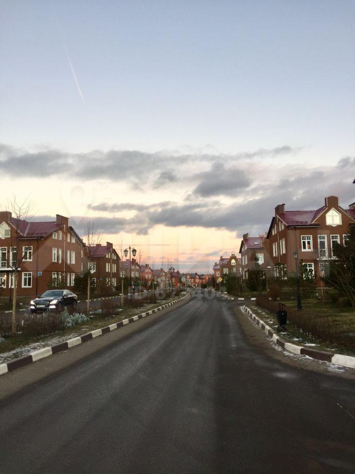 Аренда дома деревня Красный Поселок, Английский бульвар, цена 100000 рублей, 2020 год объявление №1109854 на megabaz.ru