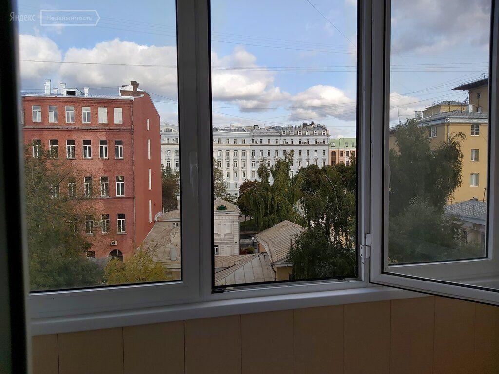 Продажа трёхкомнатной квартиры Москва, метро Арбатская, Мерзляковский переулок 5/1, цена 43000000 рублей, 2021 год объявление №594168 на megabaz.ru