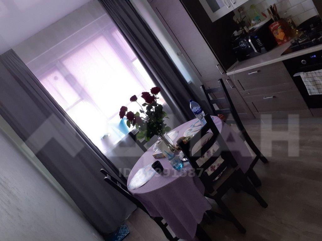 Продажа двухкомнатной квартиры деревня Чёрная, Тенистая улица 4, цена 6300000 рублей, 2021 год объявление №373243 на megabaz.ru